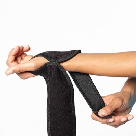 BioSkin Boomerang aandoen