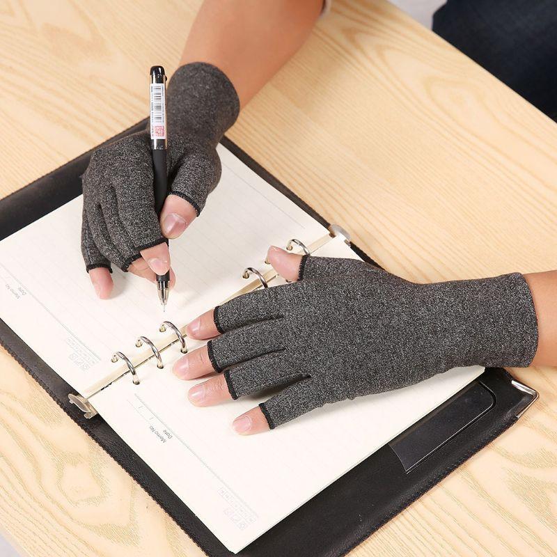 reuma-handschoenen-behandeling
